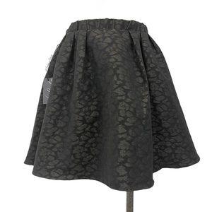 Aritzia- Talula Jubilee Skirt in Leopard Size 4